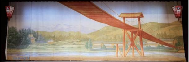 「八尾のつり橋の幕」 風の盆当日に八尾小学校の特設ステージにかけられる絵が、小松マテーレの最新技術によって再現された